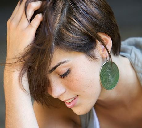 Cortes de pelo para caras alargadas: los peinados que más