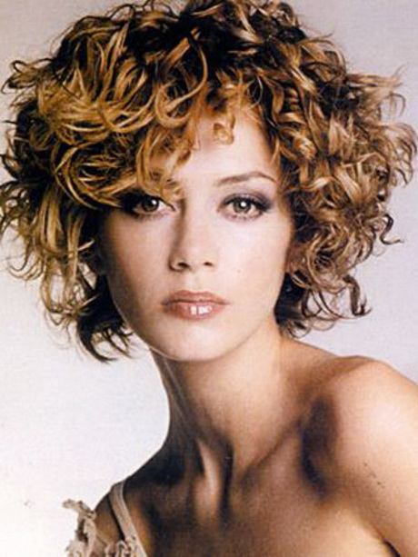 pelo corto rizado son sin duda una buena opcin si te pareces a la mujer en esta imagen cortes de pelo rizado sexy crees que eres linda