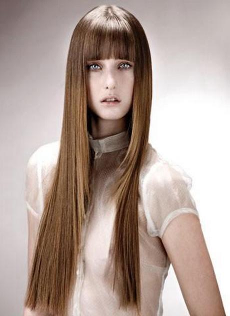 Mujeres con el pelo muy largo DOGGUIE