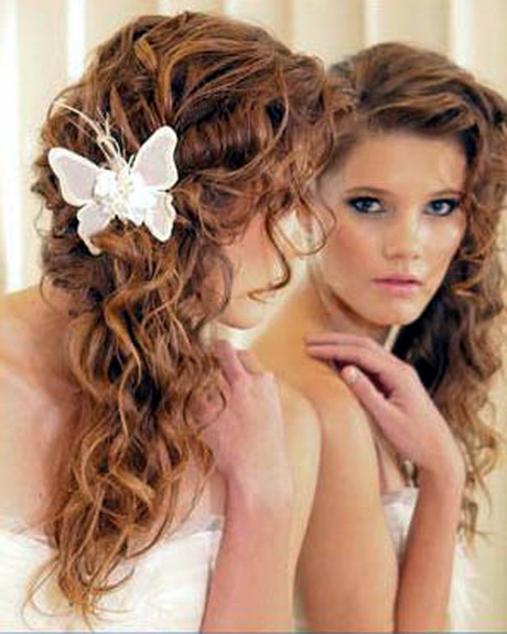 peinados de moda para cabello rizado