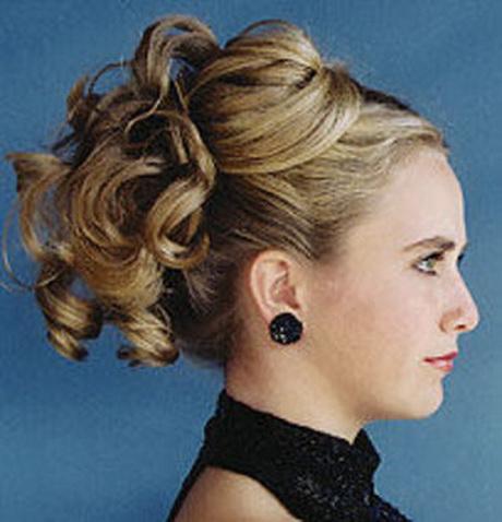 amazing foto de peinados de fiesta si la madrina es joven tambin podra realizarse para la boda uno de los peinados ms u with moos para boda - Peinados De Moos