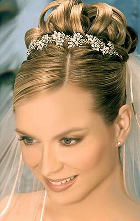 Peinados de novia recogidos altos for Recogidos altos para novias