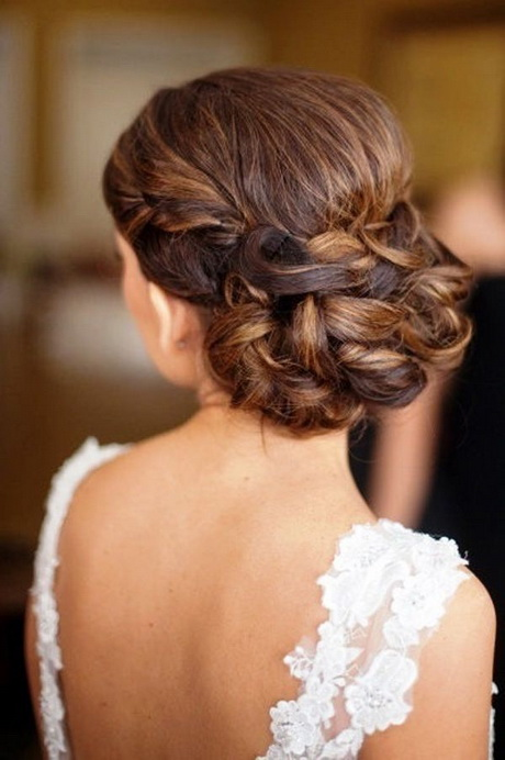 Peinados novia recogidos altos for Recogido bajo trenzado