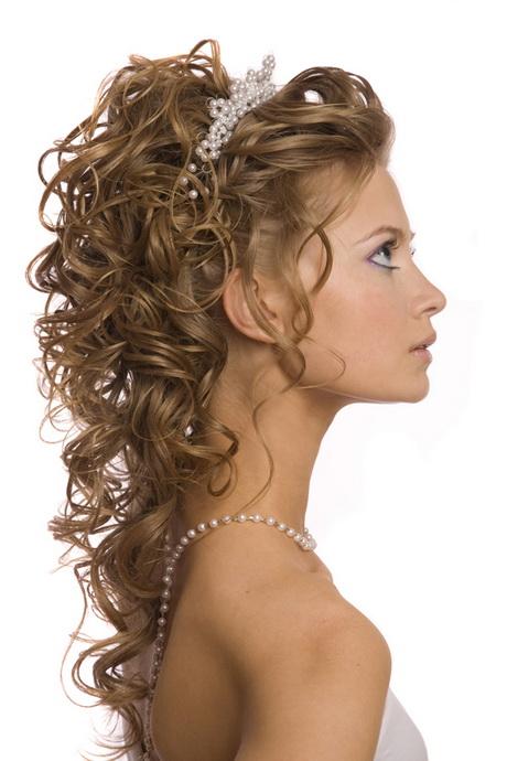 Peinados para cabello rizado - Peinados de novia con flequillo ...