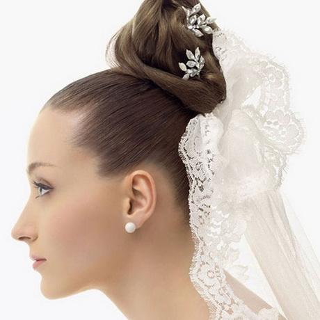 Peinados para novias con velo - Monos bajos novia ...