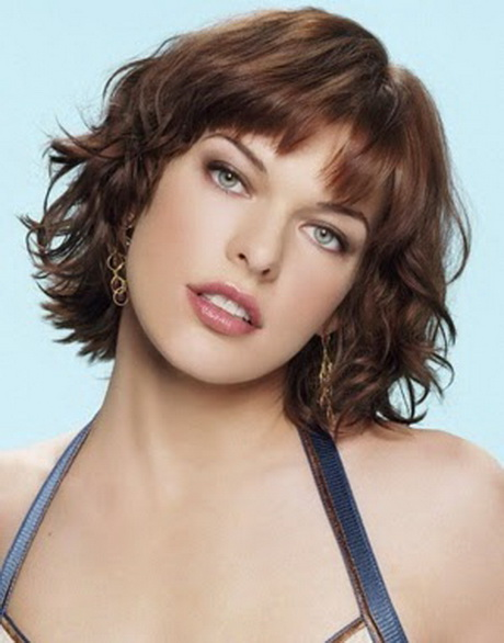 Cortes de cabello ondulado modernos para mujer