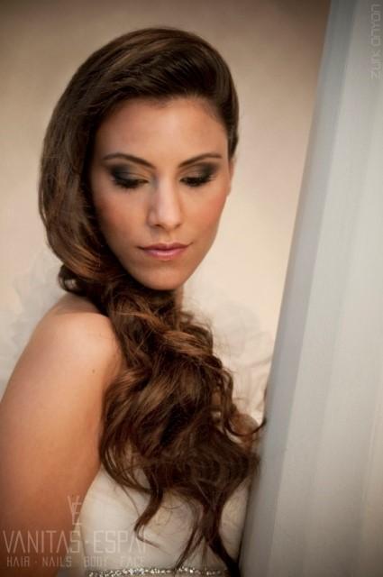 peinados hacia un lado para novias