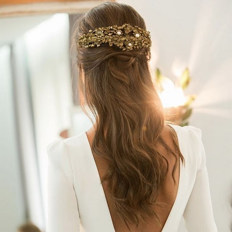 Peinados de novia medio recogido for Imagenes semirecogidos