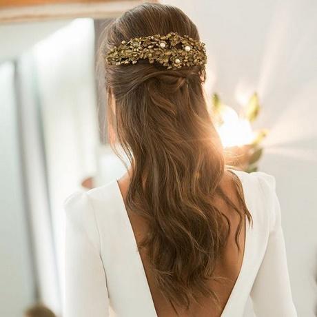 Peinados de novia medio recogido for Trenza boda