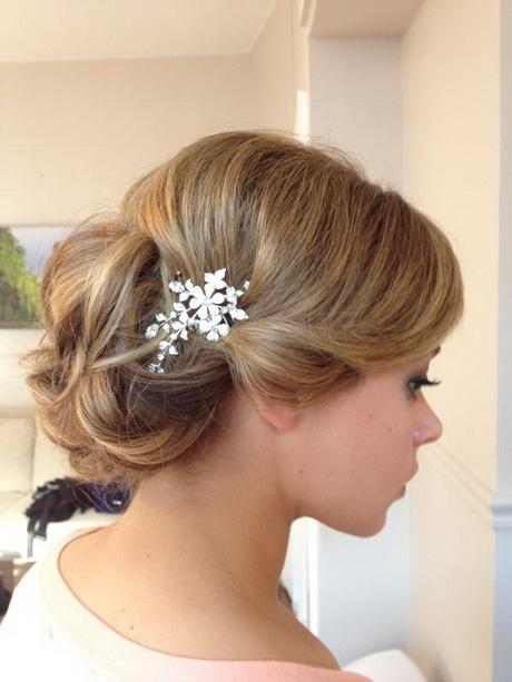 Peinados recogidos lindos for Recogidos bonitos y sencillos