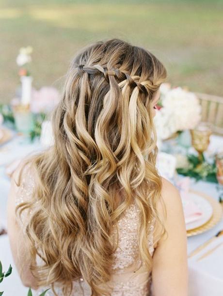 Semirecogidos con trenzas y ondas for Trenza boda