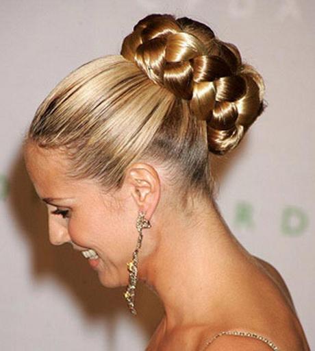 Clásico y sencillo peinados altos Fotos de los cortes de pelo de las tendencias - Peinados de moños altos