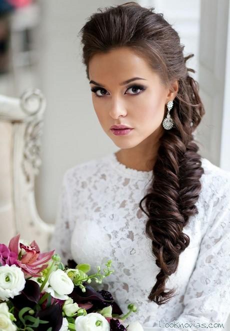 En una tendencia ascendente peinados hacia un lado Galería de cortes de pelo estilo - Peinados hacia un lado para novias