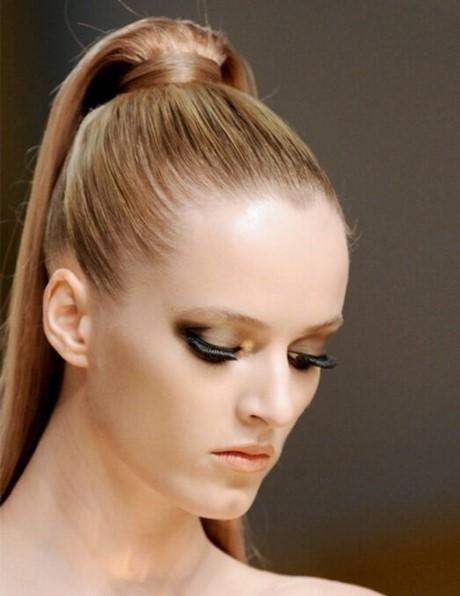 Clásico y sencillo peinados de mujer Fotos de tutoriales de color de pelo - Peinados para mujer recogidos