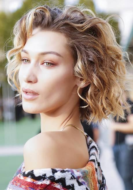 Súper fácil peinados media melena rizada Galería de cortes de pelo tutoriales - Cortes de pelo media melena rizada 2020