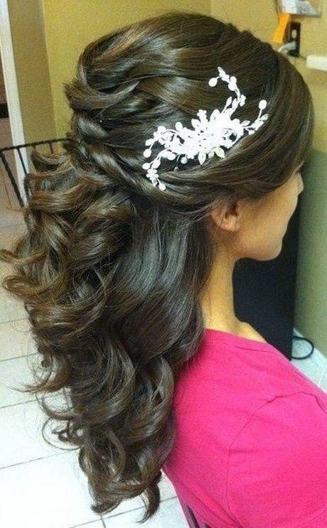 Un look impactante con peinados medio recogido Colección De Cortes De Pelo Ideas - Peinados de novia medio recogido
