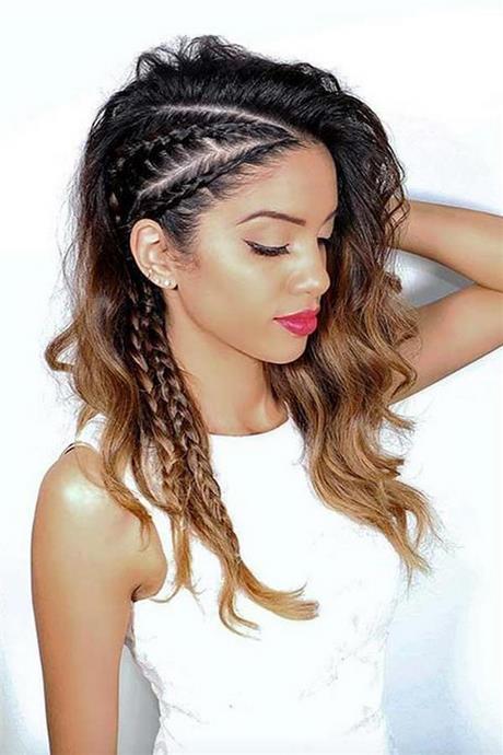 Elegante peinados de lado Imagen De Tendencias De Color De Pelo - Peinado de lado trenza
