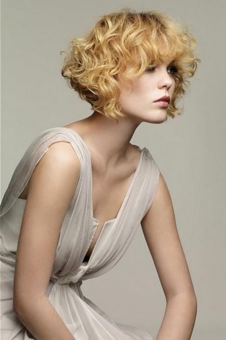 Imagen perfecta peinados pelo corto rizado mujer Imagen de cortes de pelo estilo - Pelo corto crespo mujer